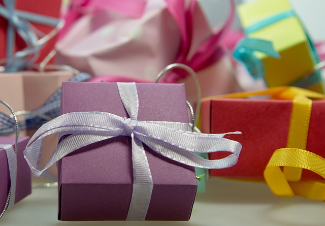 Höflichkeit und der Umgang mit Geschenken